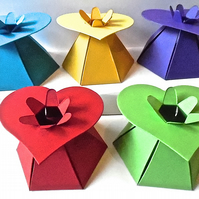10 Heart Top Bright favour Boxes. Baby Shower. Valentine