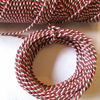 10metres of 2mm  Red, Green and White Tri-colour Bakers twine