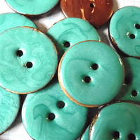 10 x  Aquamarine Coconut Shell, Enamelled, Buttons