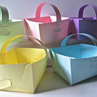10 Pastel Easter Basket Favour Boxes with handle