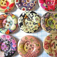 10 x 25mm Raised Edge Wood Flower Buttons 4 holes