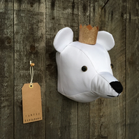 Wall mounted Polar Bear head