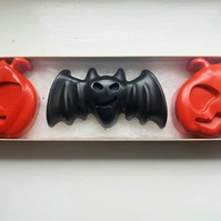 Set of 3 Halloween themed crayons (special edition)