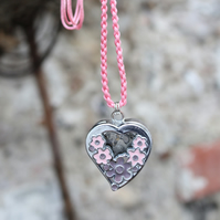 Vintage heart shaped pocket watch featured flower pattern pendant necklace-pink