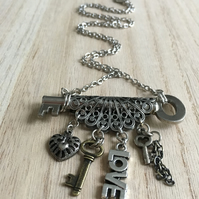 UK FREE SHIPPING-Filigree hear -LOVE charm-two tinny vintage key charms necklace