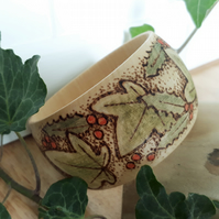 Pyrography holly & ivy wooden bangle