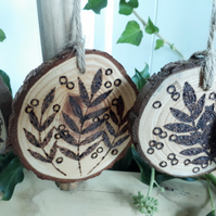 Five pyrography rowan wood slice hanging decorations