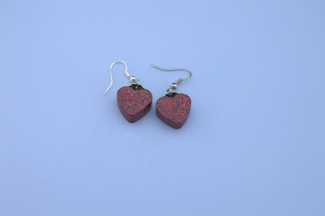 glittery red hearts