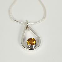 Silver Pendant Necklace with Citrine