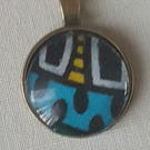 Glass cabachon necklace pendant blue-black