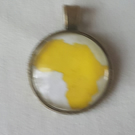 Glass cabachon necklace pendant Africa yellow