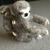 Needle felted Sloth with baby