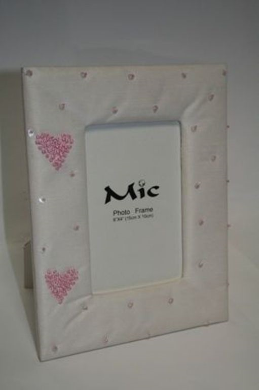 "White Silk Photograph Frame with Pink Hearts & Pearls - Aperture 6"" x 4"""