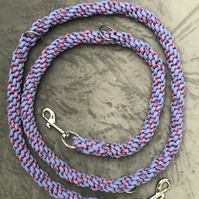 Paracord dog training lead in lavender and wildflower