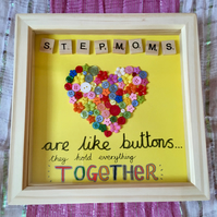 "Handmade ""Mom"" Button Picture"