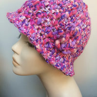 Hand Crocheted 1920s Ladies Girls Flapper Hat Beanie Purple Pink Ribbon