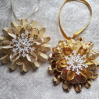 Set of 2 Gold Christmas rosettes, hanging decoration