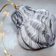 Hand-marbled ceramic bauble 10