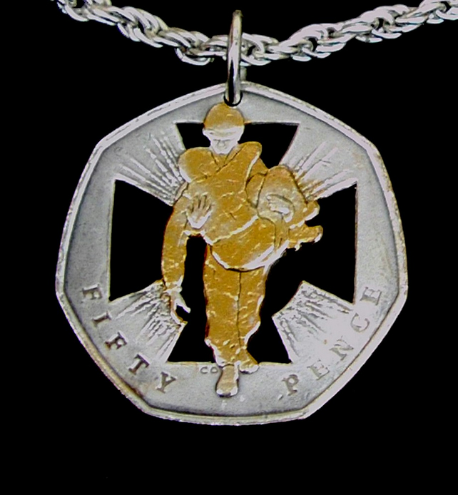 Heroic Acts Victoria Cross Medal Gold & Silver Plated 50p Cut Coin Pendant