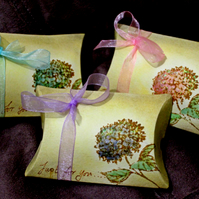 Just For You Hydrangea Pillow Boxes - Set of 8 Pink Purple and Blue