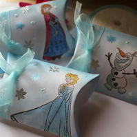 Disney's Frozen Pillow Boxes - Set of 6 Anna, Elas and Olaf
