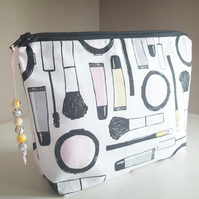 Makeup Bag, Cosmetics Bag, Zip Pouch, Travel Bag, Essential Pouch, Make up Print