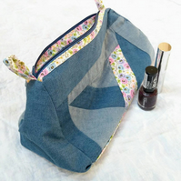 Patchwork Zipped Bag, Toiletry Bag, Make-up Bag, Cosmetic Bag, Wash Bag, Cotton