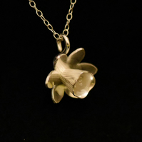 Daffodil pendant necklace in sterling silver