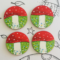 Toadstool forest buttons