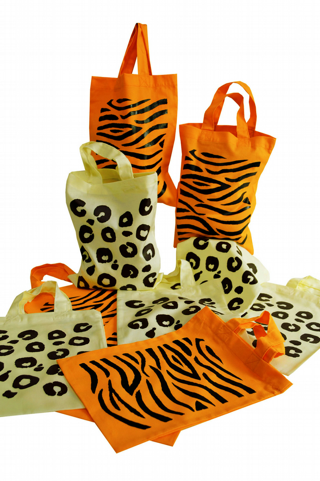 Pack of 10 JUNGLE theme Party bags. Cotton. Eco friendly & reusable.