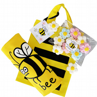 KIDS BEE gift set: T.shirt (various ages), gift bag & sweets