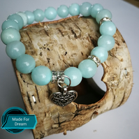 Bracelet with natural stones