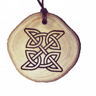 Celtic Insquare Knot Oil Scented Handmade Air Freshener Wood Diffuser Charm