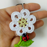 """Daisy flower and ladybird"" necklace"