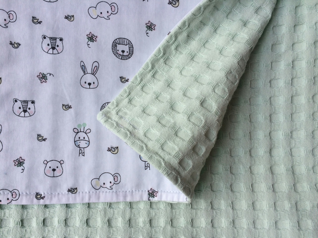 Baby blanket, Toddler blanket, Mint green, W60 cm x L80 cm, Hand sewn, Animals