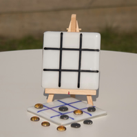 Tic Tac Toe - OXO Game in Fused Glass