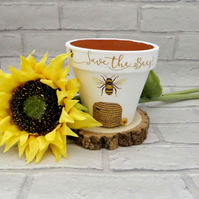 Cute Bumblebee Mini Plant Pot - Gift For Gardeners