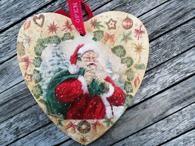 Handcrafted Christmas Wall Decoration in Your Chosen Christmas Design