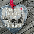 Beautiful Christmas Wall Decoration in Four Different Styles