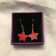 Red Shell Star Drop Earrings.