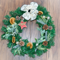 Traditional xmas wreath 40cm large