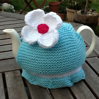 Daisy Tea Cosy in Turquoise