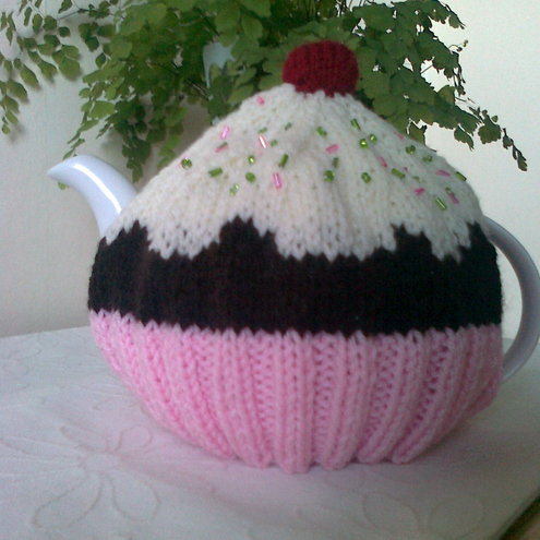 Cupcake Tea Cosy  Cozy - Fits a 4 cup pot