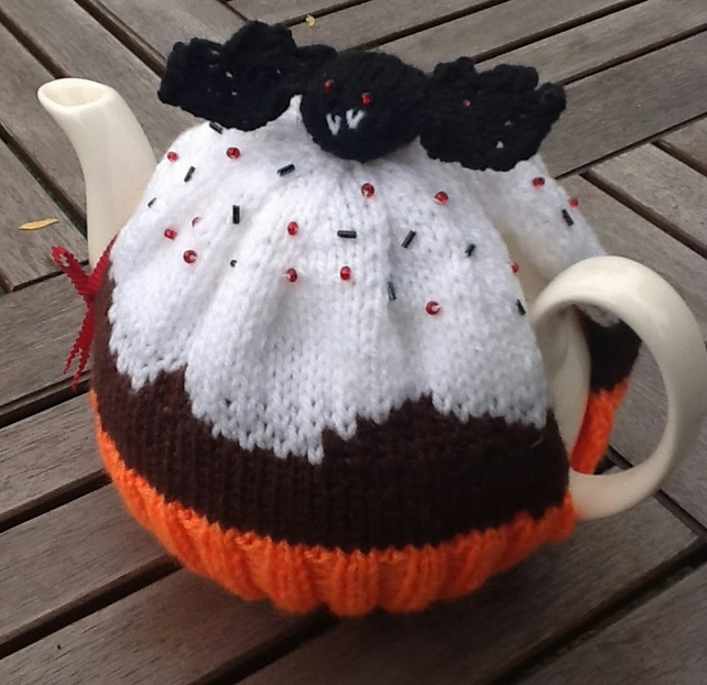 Halloween Tea Cosy with Vampire Bat