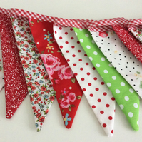 Bunting - Red floral design, 12 flags 8ft long inc florals and strawberries