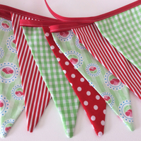 green and red bunting - 12 flags pretty floral mix 2.5m inc ties