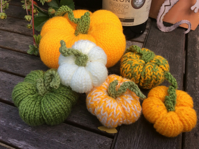 Halloween pumpkin decorations, 6 hand knitted pumpkins, harvest festival