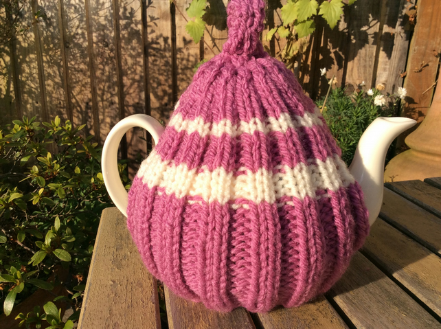 Traditional Chunky knit Tea Cosy - Woolly hug for your tea cosy 6 cup pot