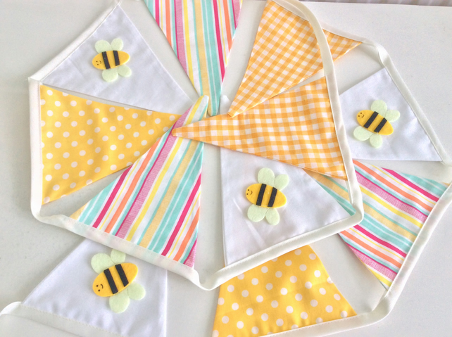 Bee Bunting - 11 flags, spots, Stripes and dots with Bees