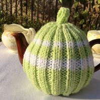 Small Tea Cosy - lime and white fits a 1-2 cup or 0.5 pint pot